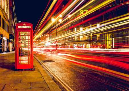 london telephone booth long exposure lights